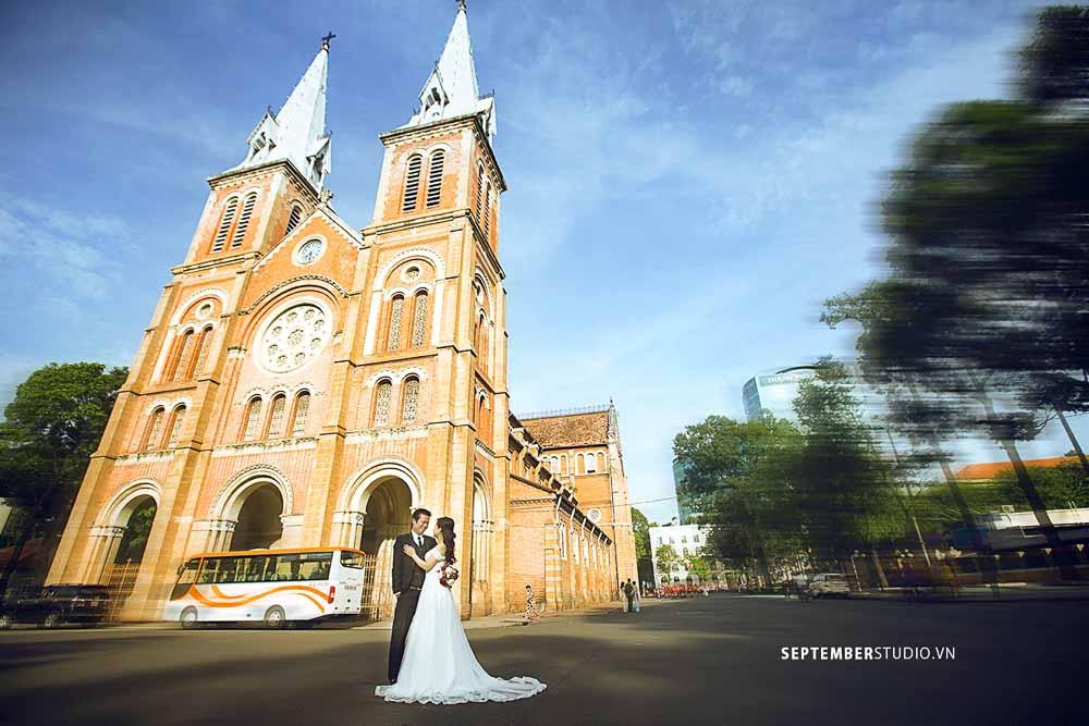 chụp hình cưới ở nhà thờ đức bà