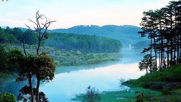 Hồ Tuyền Lâm - Đia điểm chụp hình cưới đẹp ở Đà Lạt