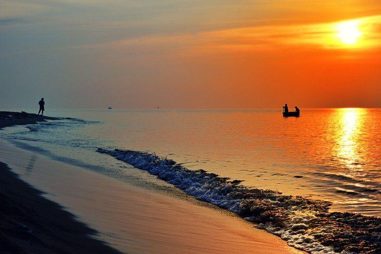Biển Long Hải sở hữu bãi cát trắng cùng nhiều khu resort hiện đại.