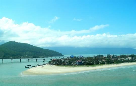 Biển Phước Hải đẹp mà lại còn không tốn tiền.