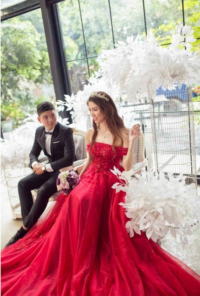 Cách tạo dáng chụp ảnh cưới trong phim trường được ưa chuộng