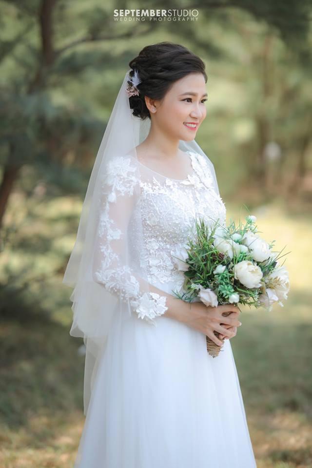 Mặc váy maxi chụp ảnh cưới