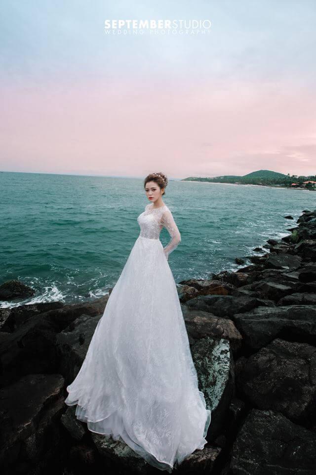 Váy cưới ở biển
