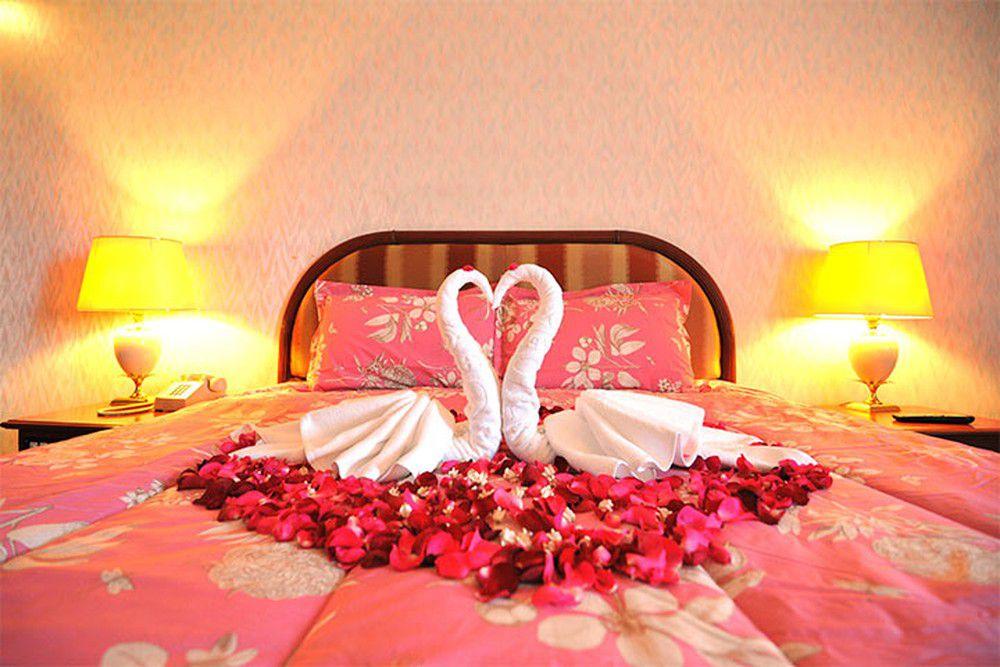 Cách trang trí phòng cưới bằng khăn tắm đẹp