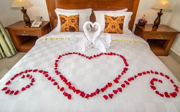 Cách trang trí phòng cưới bằng khăn tắm
