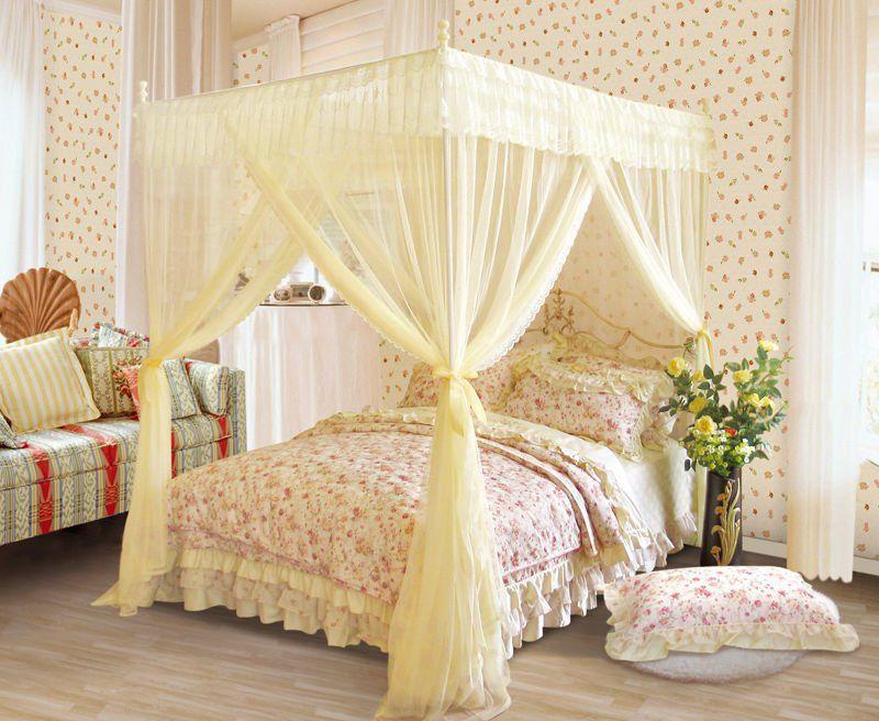 trang trí phòng cưới với màn khung