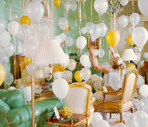 Trang trí phòng cưới bằng bóng bay dễ thương