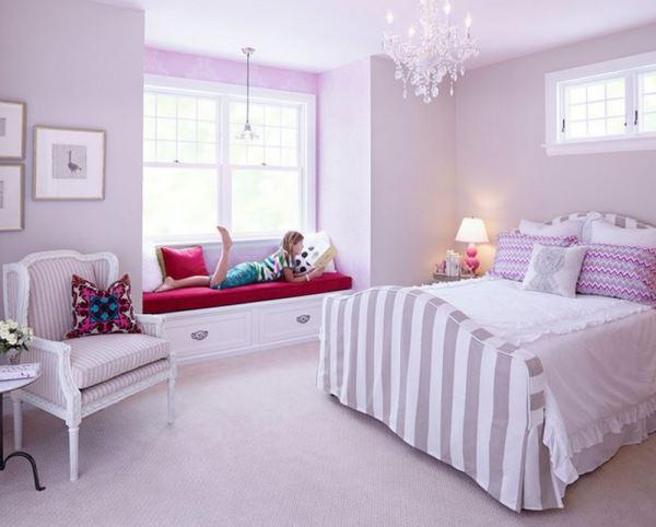 Trang trí phòng cưới màu tím