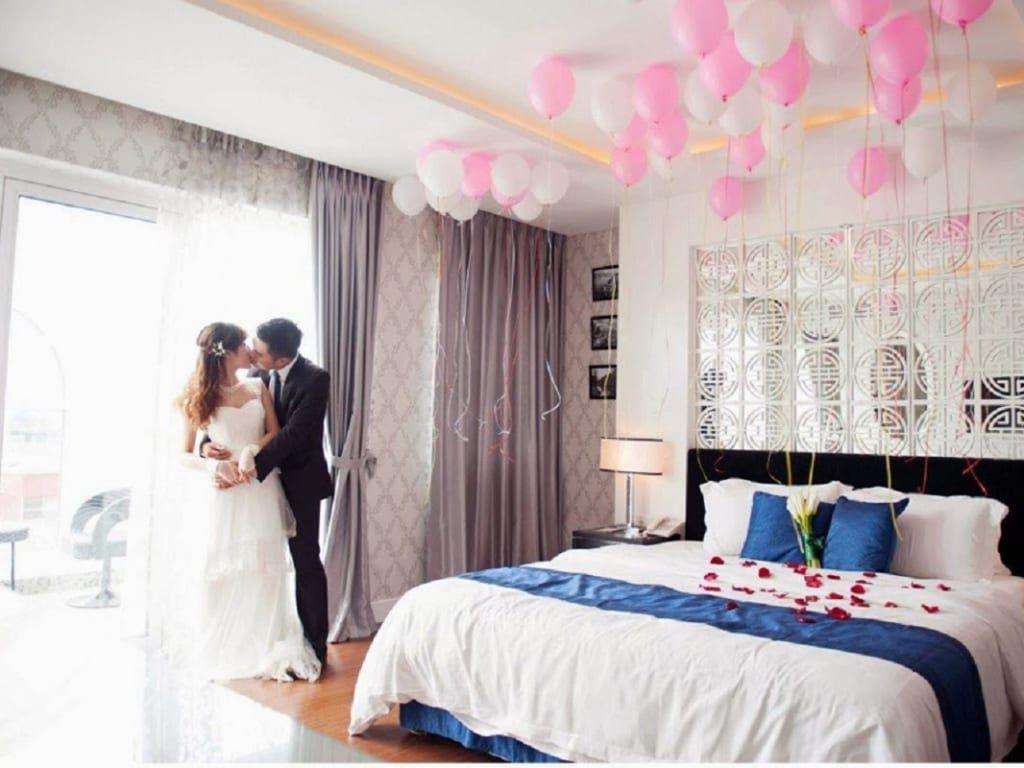 Trang trí phòng cưới màu xanh