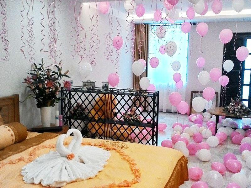 Trang trí phòng cưới bằng bóng
