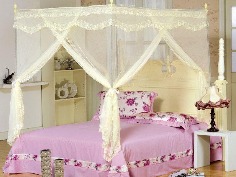 trang trí phòng cưới với màn khung chất