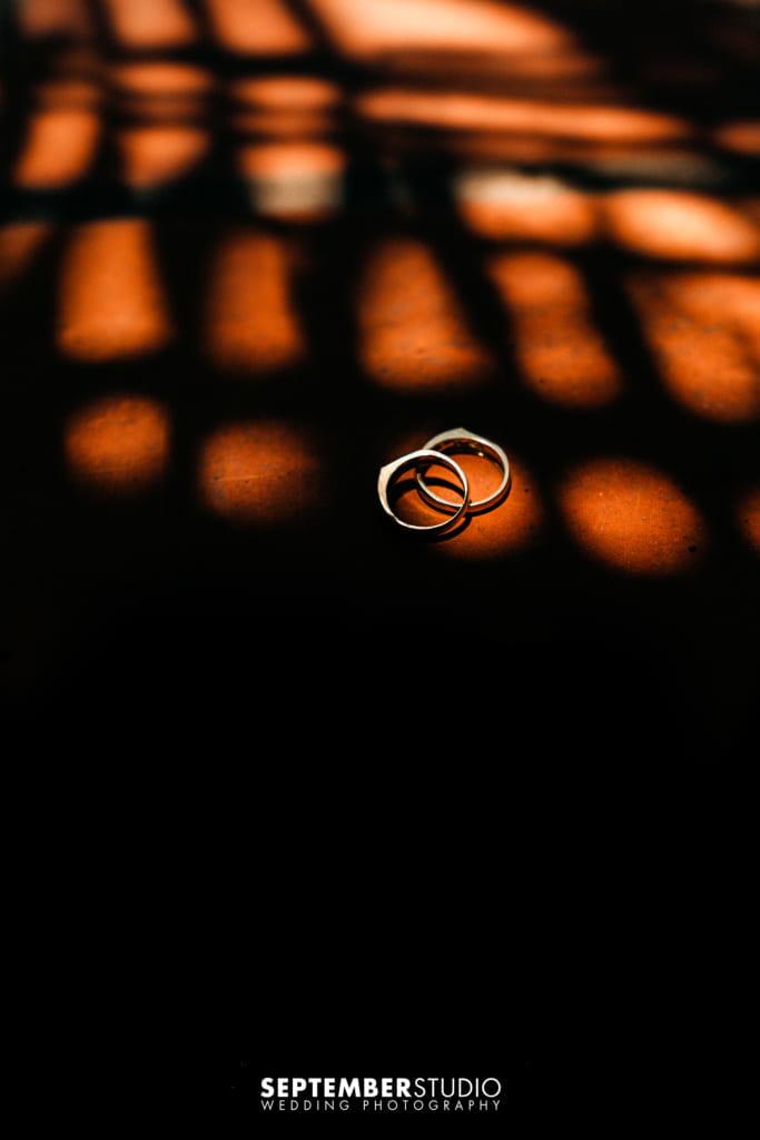 nữ đeo nhẫn cưới tay nào