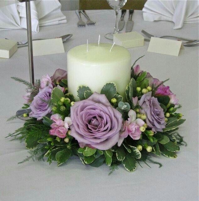 Mẫu cắm hoa để bàn cùng nến đẹp
